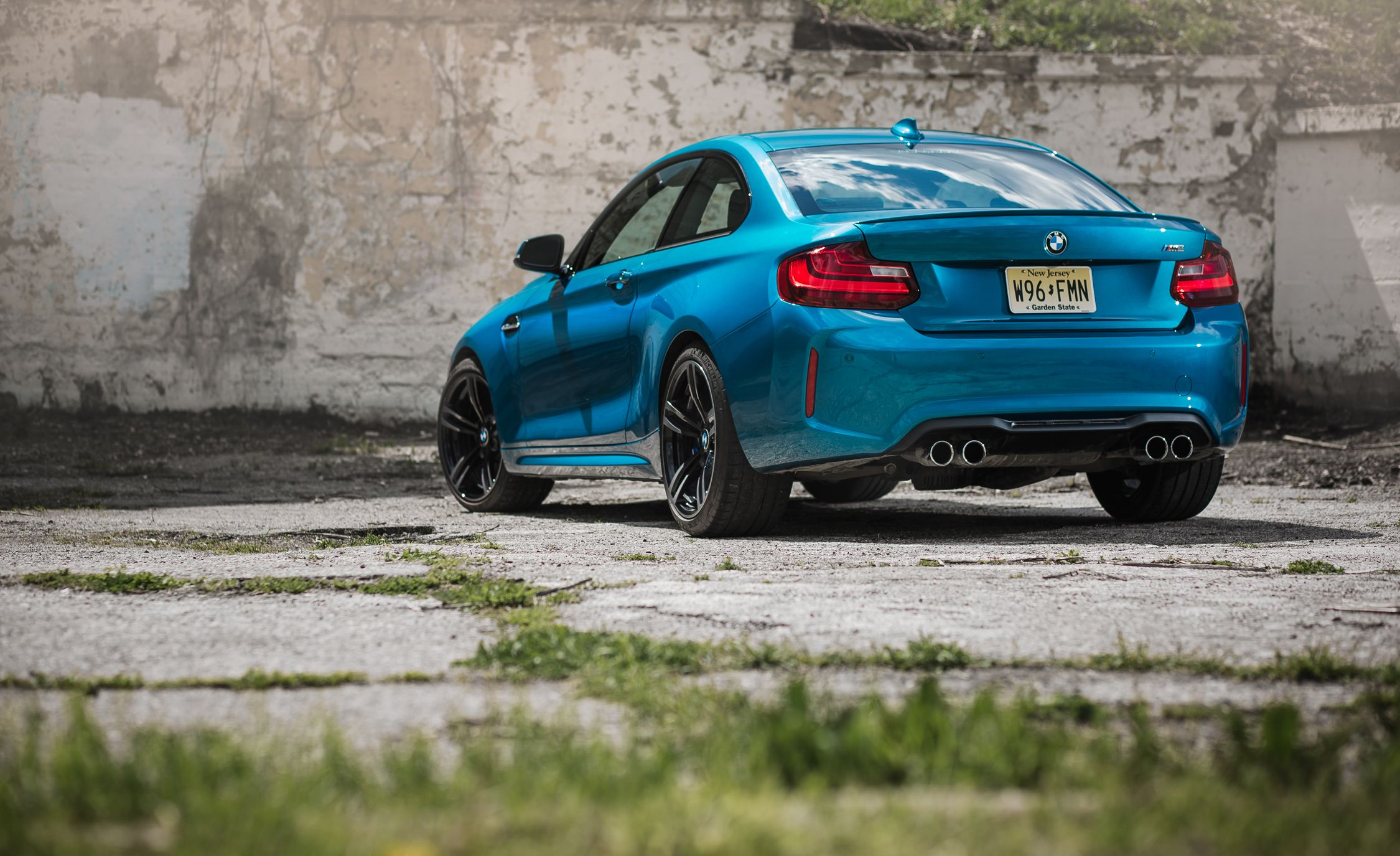 BMW M Reviews BMW M Price Photos And Specs Car And Driver - Blue bmw