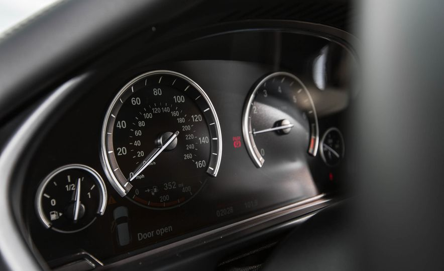 2018 BMW X7 (artist's rendering) - Slide 15