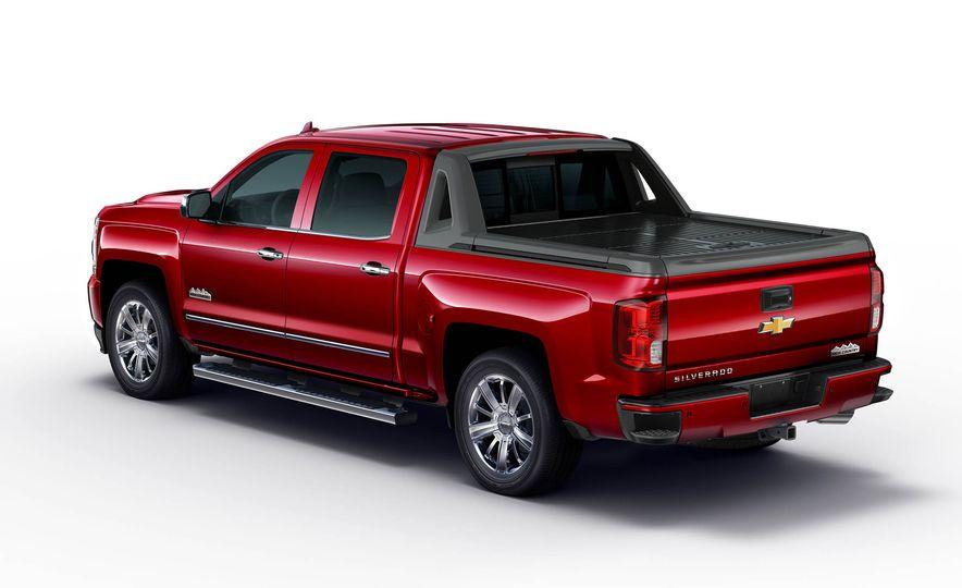 2016 Chevrolet Silverado 1500 High Desert Edition - Slide 2
