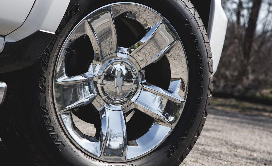 2016 Chevrolet Silverado 1500 High Desert Edition - Slide 12