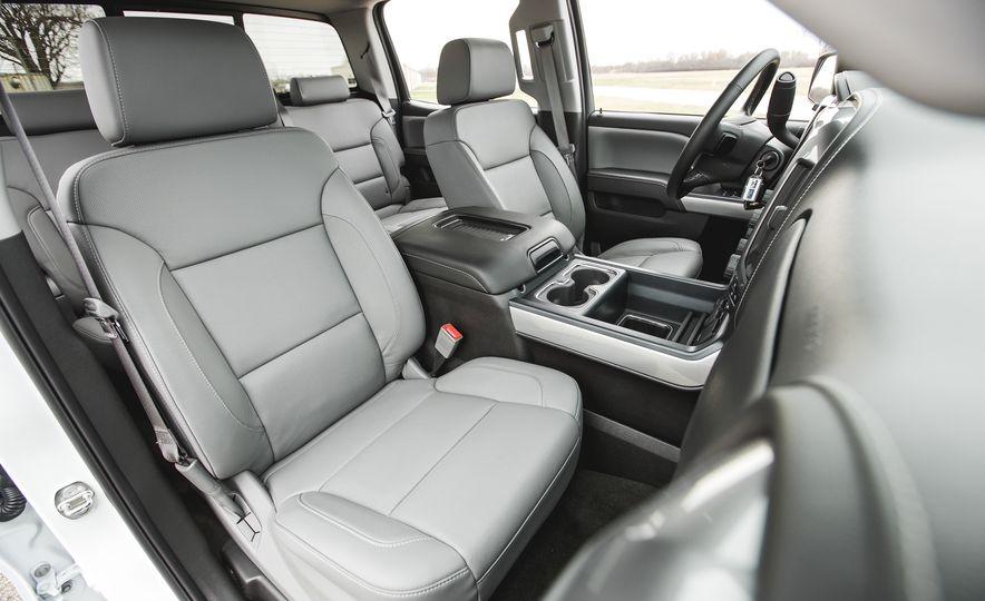 2016 Chevrolet Silverado 1500 High Desert Edition - Slide 16