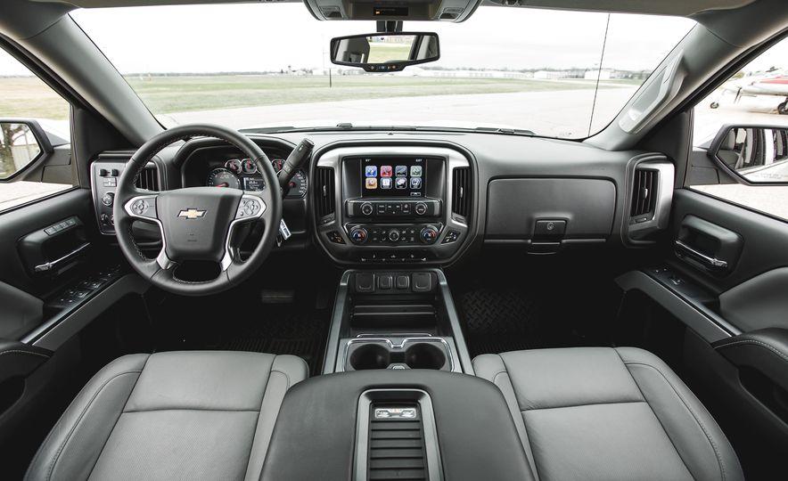 2016 Chevrolet Silverado 1500 High Desert Edition - Slide 14