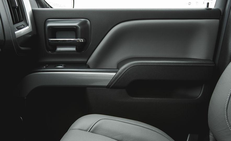2016 Chevrolet Silverado 1500 High Desert Edition - Slide 17