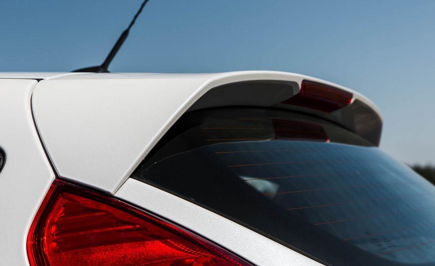 2016 Ford Fiesta SE - Slide 18