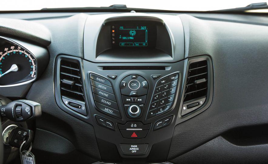 2016 Ford Fiesta SE - Slide 34