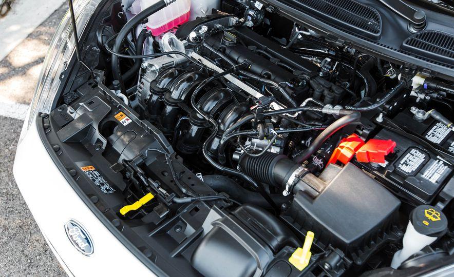 2016 Ford Fiesta SE - Slide 39