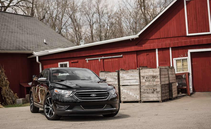 2016 Ford Taurus Limited - Slide 10