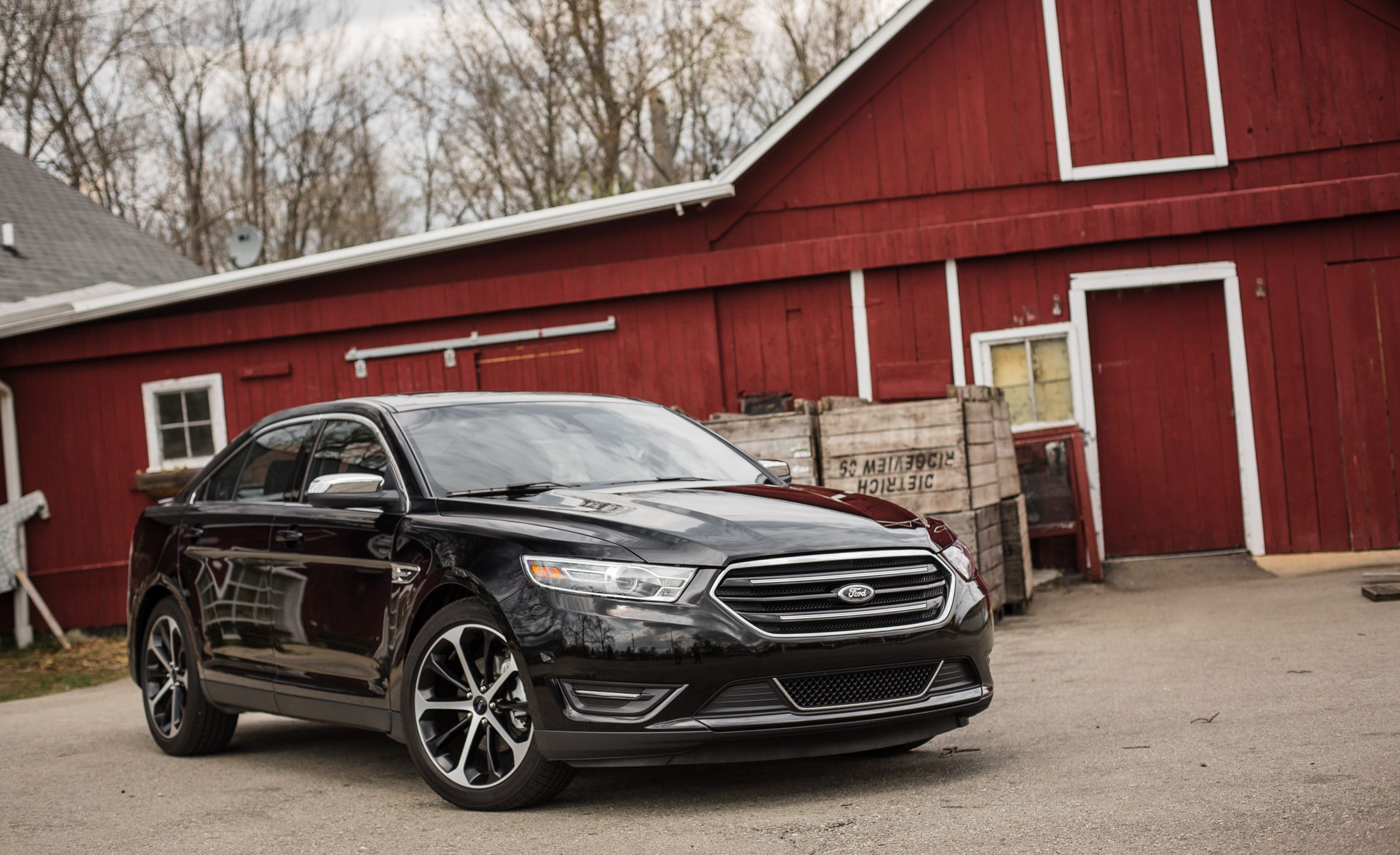 Ford taurus reviews ford taurus price photos and specs car and driver