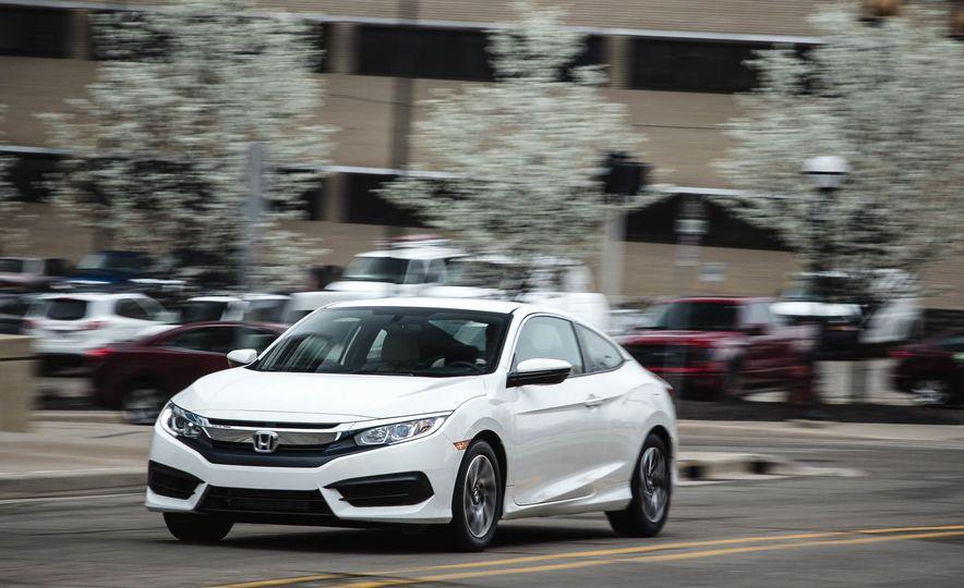2016 Honda Civic coupe LX - Slide 2