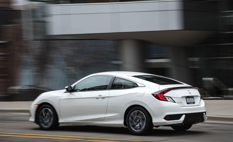 2016 Honda Civic coupe LX - Slide 5