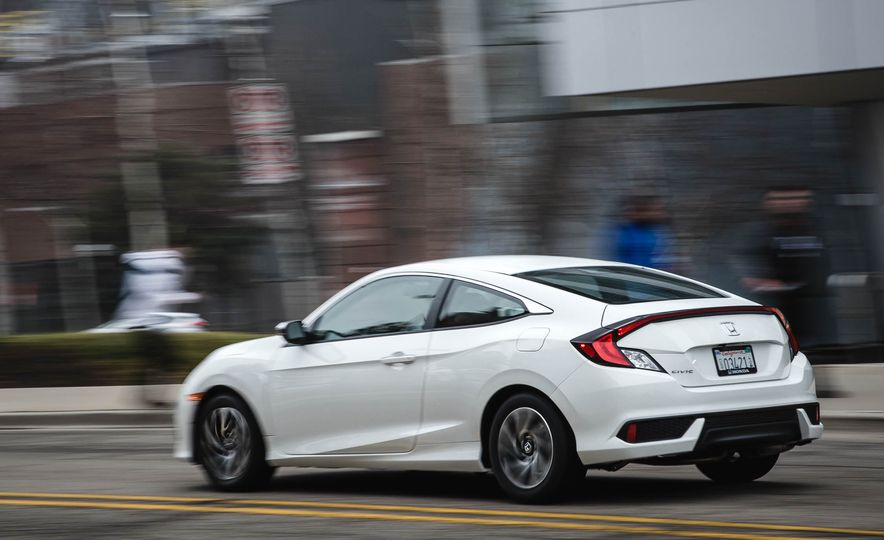2016 Honda Civic coupe LX - Slide 6