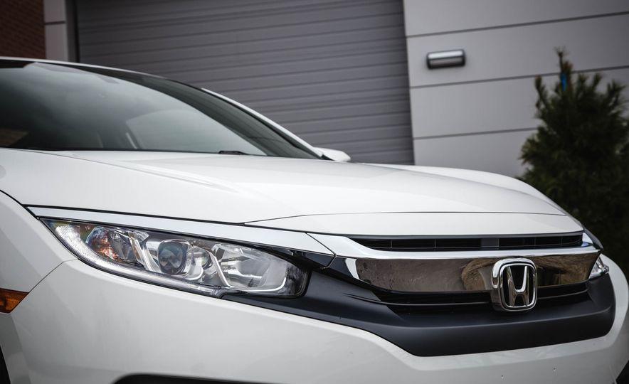 2016 Honda Civic coupe LX - Slide 12