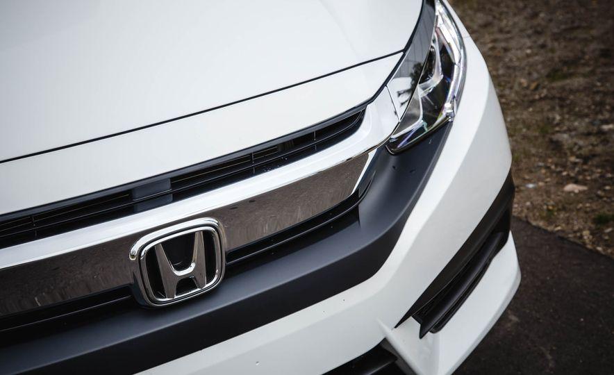 2016 Honda Civic coupe LX - Slide 13