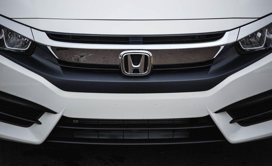 2016 Honda Civic coupe LX - Slide 16
