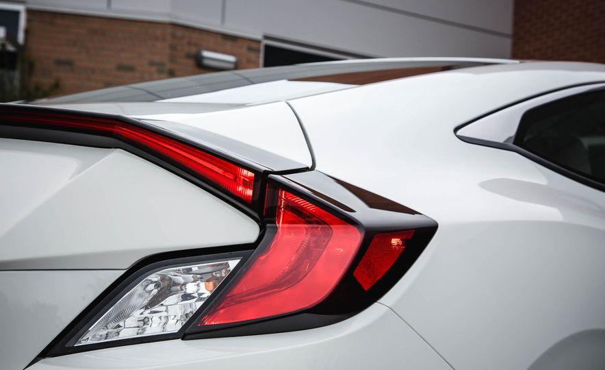 2016 Honda Civic coupe LX - Slide 18