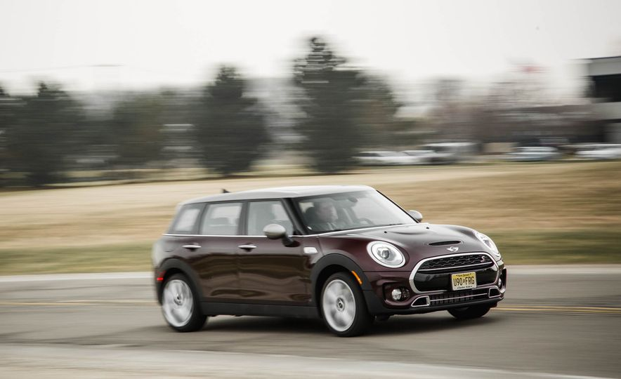 2016 Mini Cooper Clubman S - Slide 1