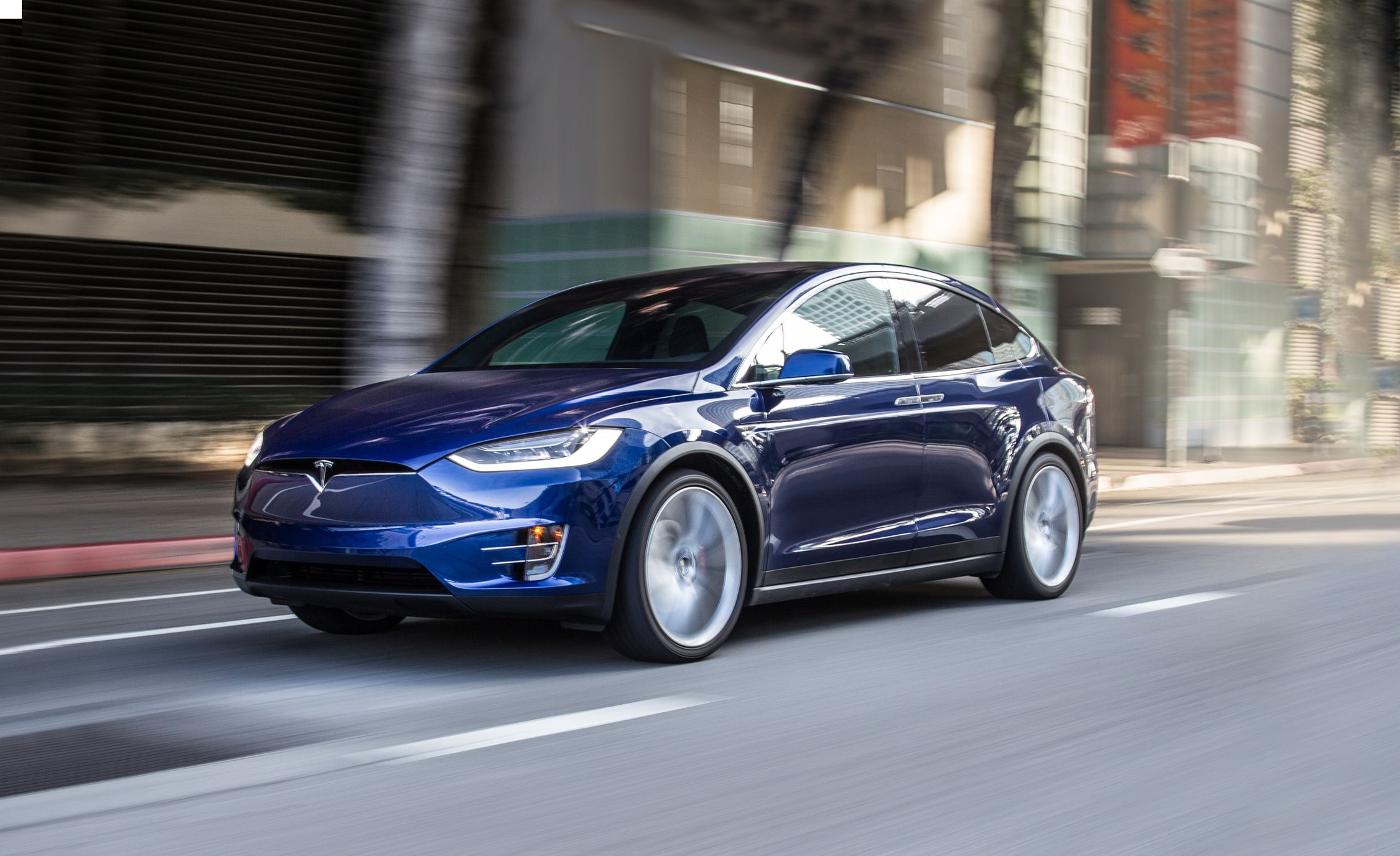 2016 Tesla Model X Pictures Photo Gallery Car And Driver