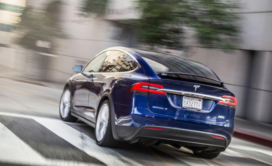 2016 Tesla Model X P90D - Slide 2