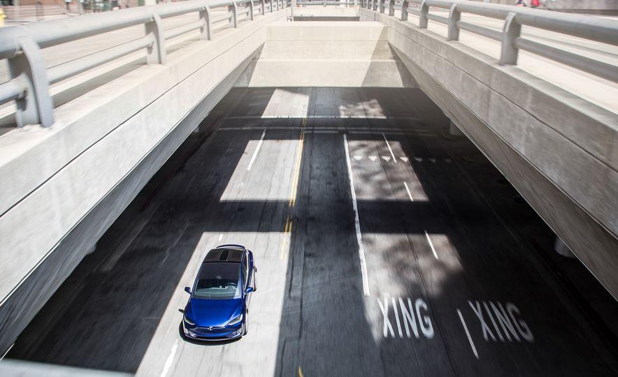 2016 Tesla Model X P90D - Slide 6