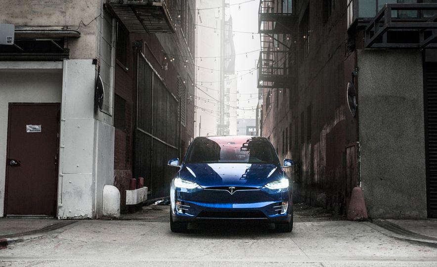 2016 Tesla Model X P90D - Slide 7