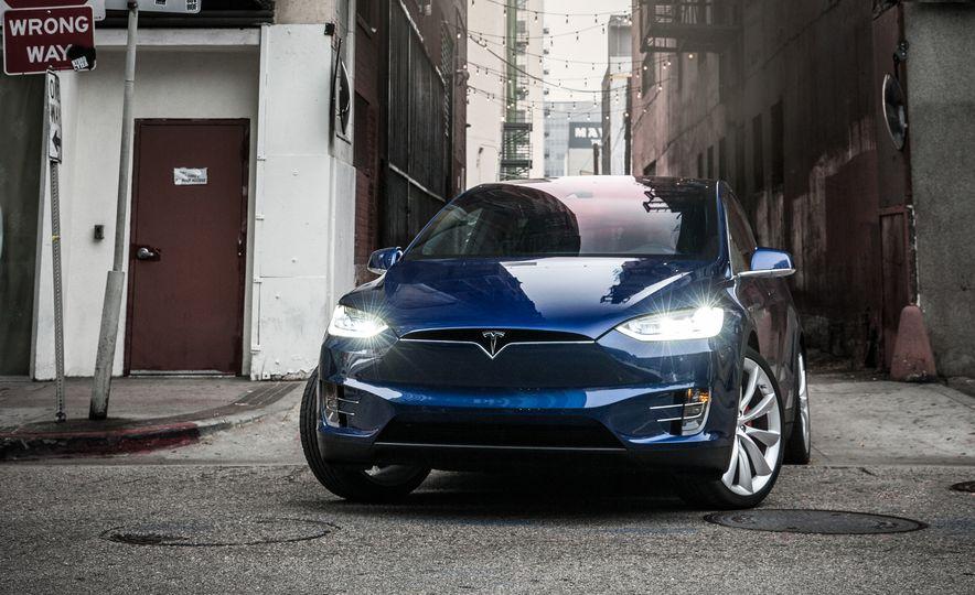 2016 Tesla Model X P90D - Slide 11