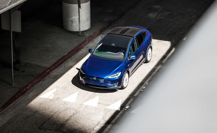 2016 Tesla Model X P90D - Slide 12