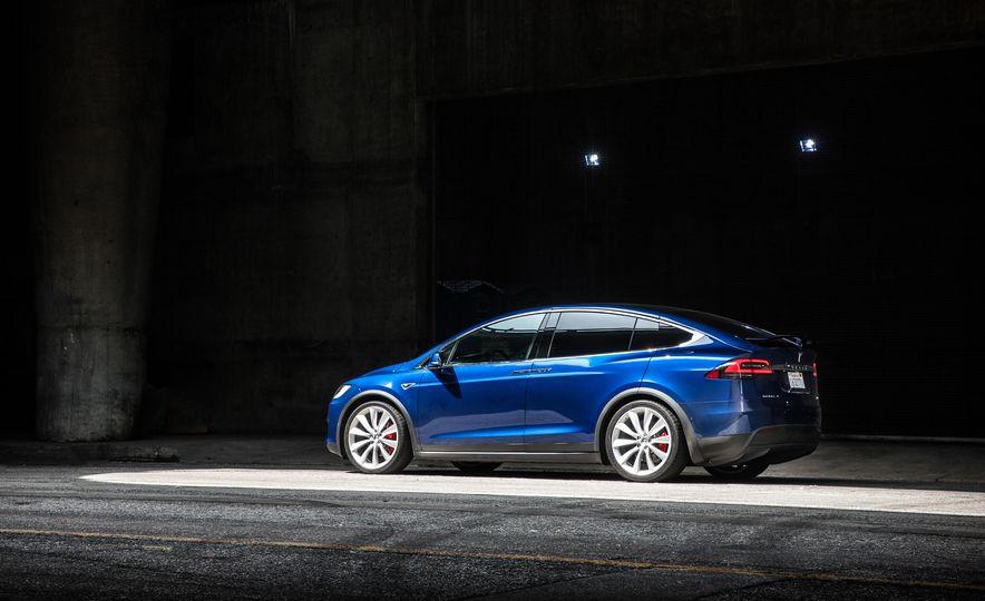 2016 Tesla Model X P90D - Slide 13