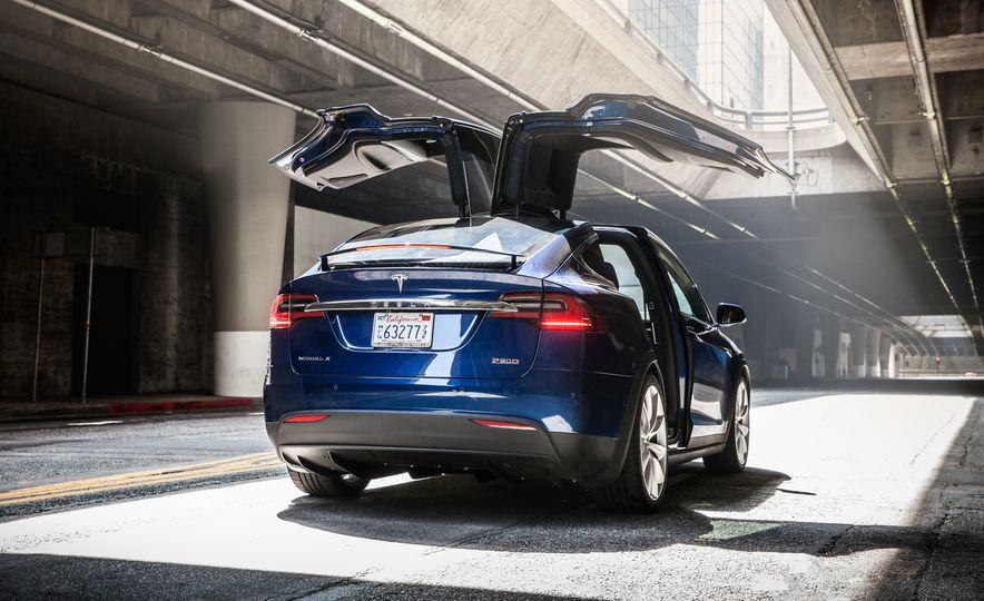 2016 Tesla Model X P90D - Slide 14