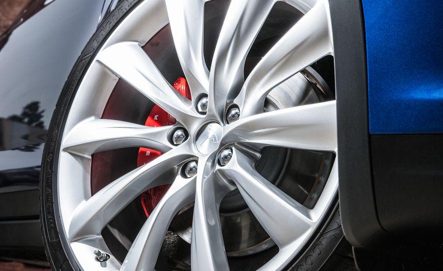 2016 Tesla Model X P90D - Slide 16