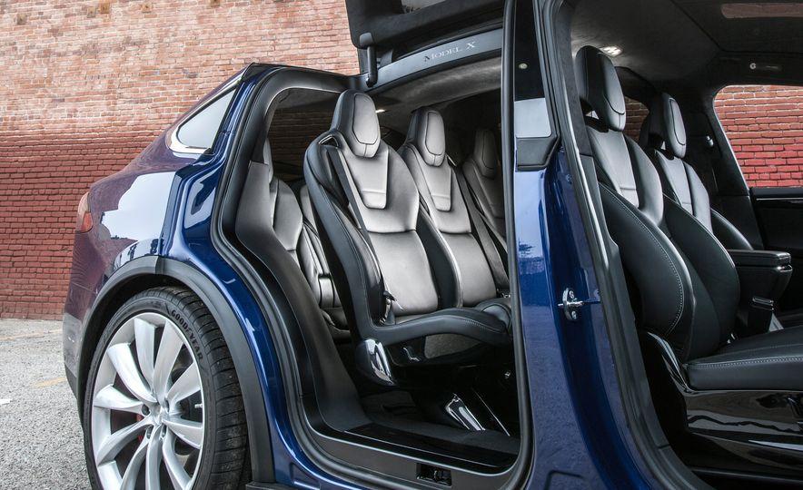 2016 Tesla Model X P90D - Slide 19