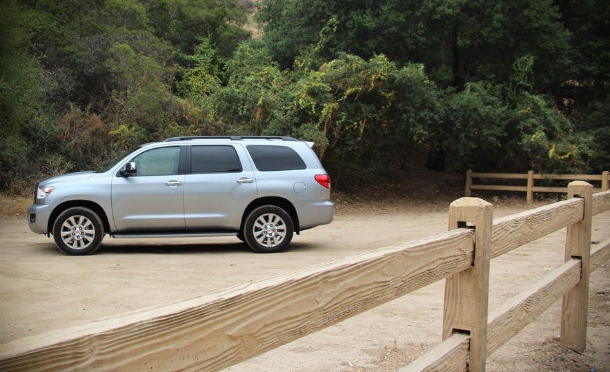 2016 Toyota Sequoia - Slide 4