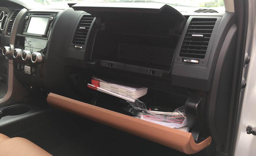 2016 Toyota Sequoia - Slide 27