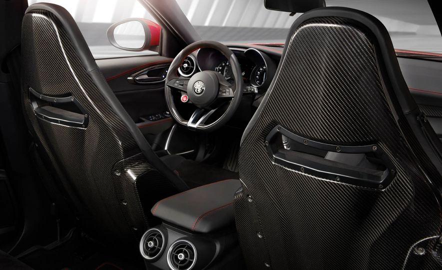 2017 Alfa Romeo Giulia Quadrifoglio - Slide 39