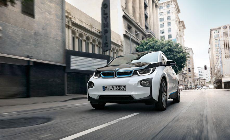 2017 BMW i3 - Slide 1