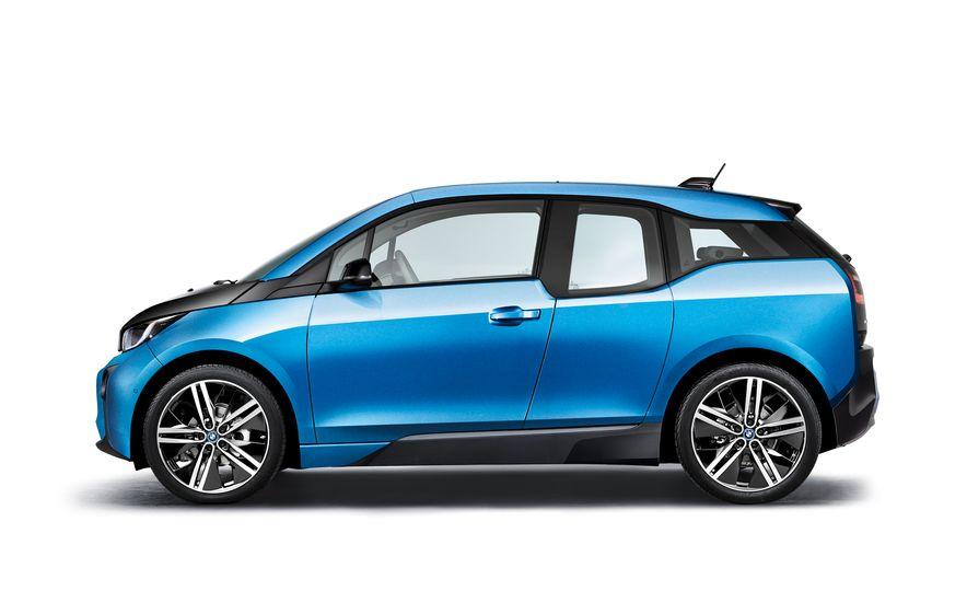 2017 BMW i3 - Slide 11