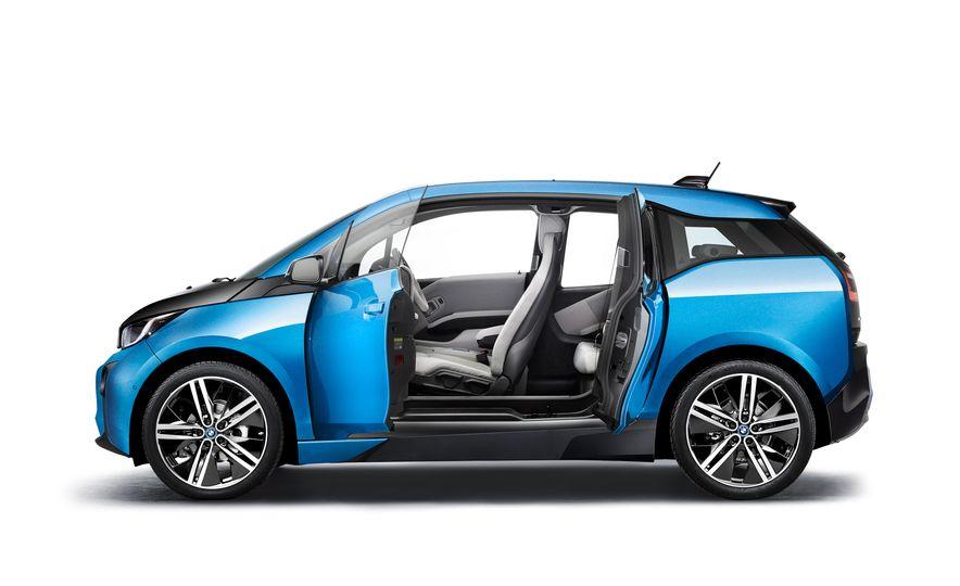 2017 BMW i3 - Slide 12