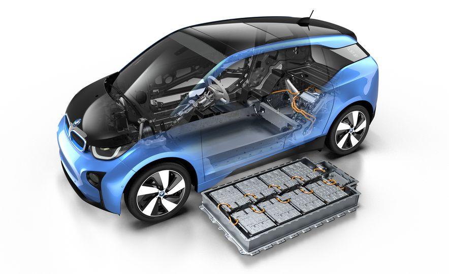 2017 BMW i3 - Slide 18