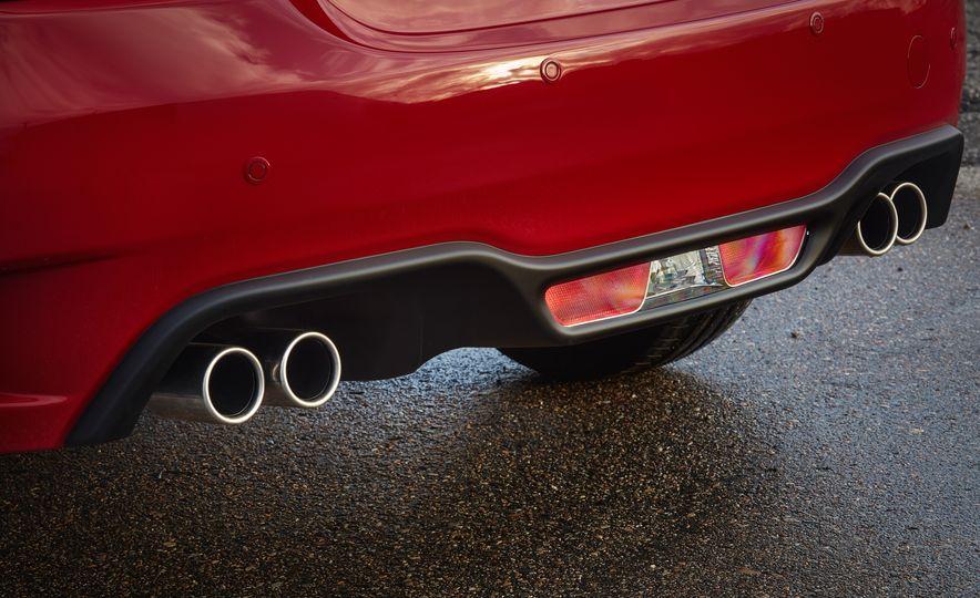 2017 Fiat 124 Spider Abarth - Slide 9