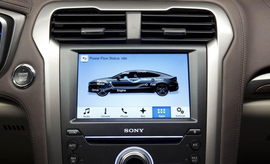 2017 Ford Fusion Energi plug-in hybrid - Slide 9