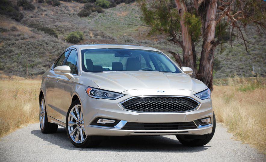 2017 Ford Fusion Platinum - Slide 1