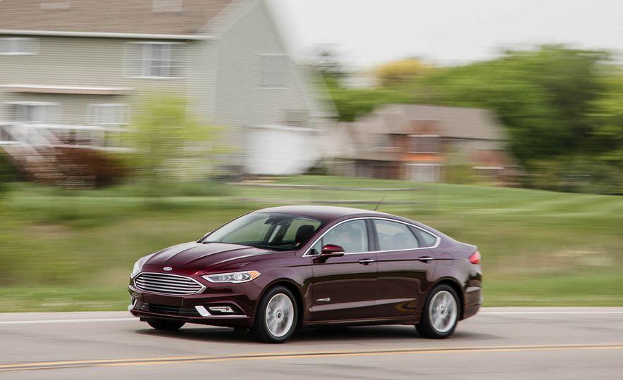 2017 Ford Fusion hybrid - Slide 5
