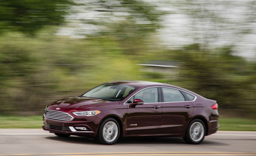 2017 Ford Fusion hybrid - Slide 6