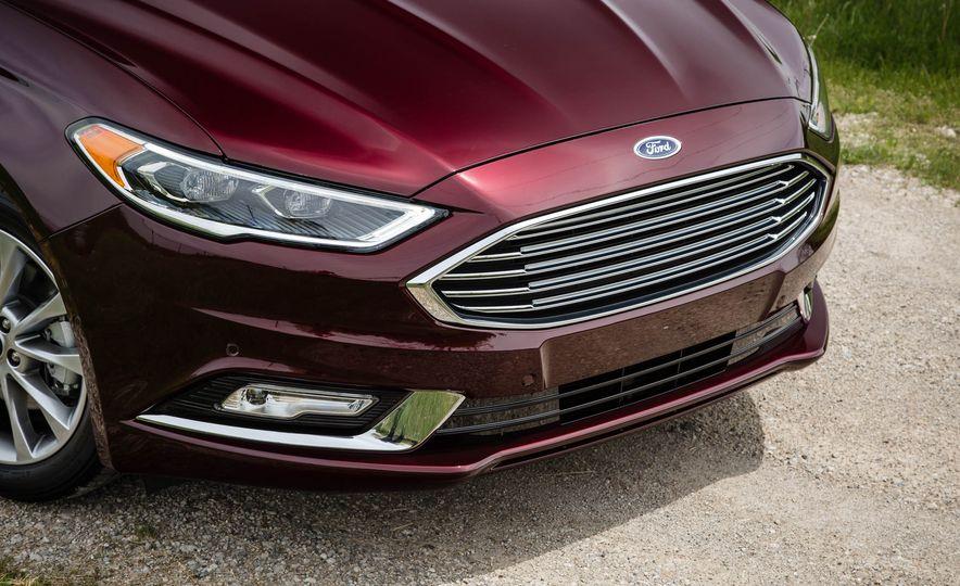 2017 Ford Fusion hybrid - Slide 14