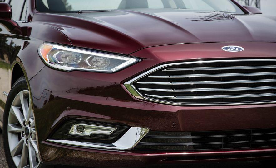 2017 Ford Fusion hybrid - Slide 15