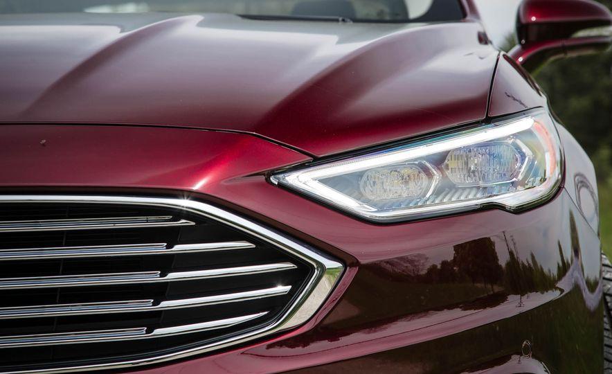 2017 Ford Fusion hybrid - Slide 17