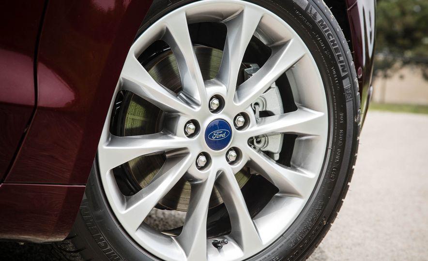 2017 Ford Fusion hybrid - Slide 19