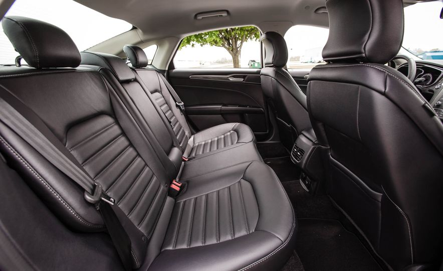 2017 Ford Fusion hybrid - Slide 30