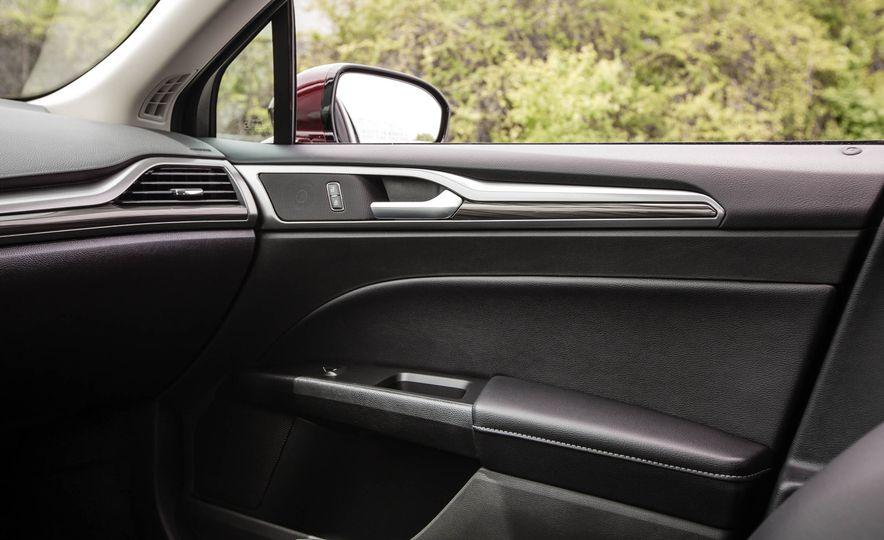 2017 Ford Fusion hybrid - Slide 41