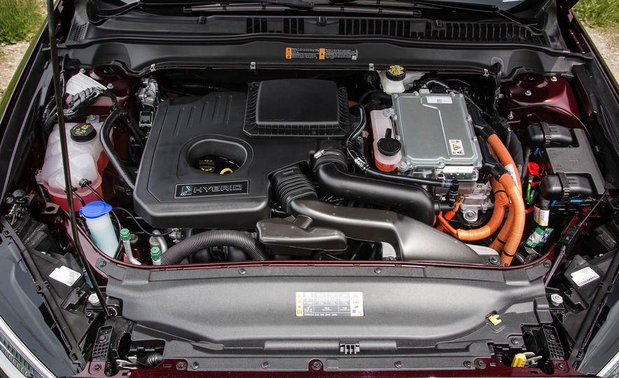 2017 Ford Fusion hybrid - Slide 43