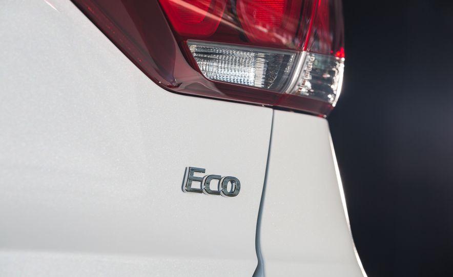 2017 Hyundai Elantra Eco - Slide 15